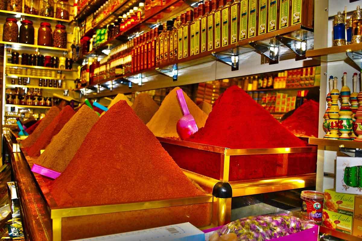 Basar: Gewürze shoppen in Marokko-Urlaub