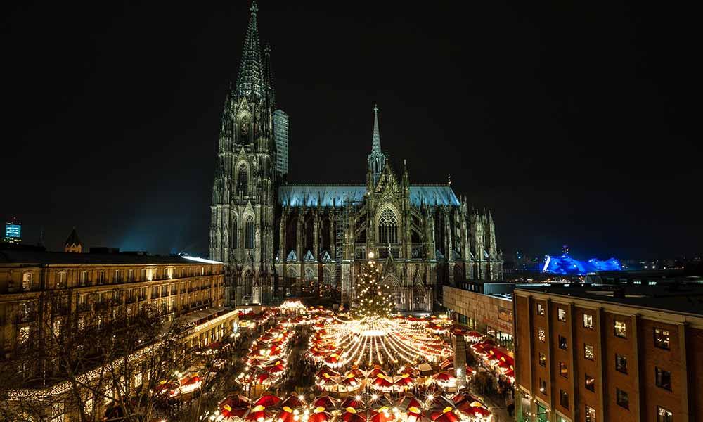 Einer der schönsten Weihnachtsmärkte in deutschland ist in Köln am Dom