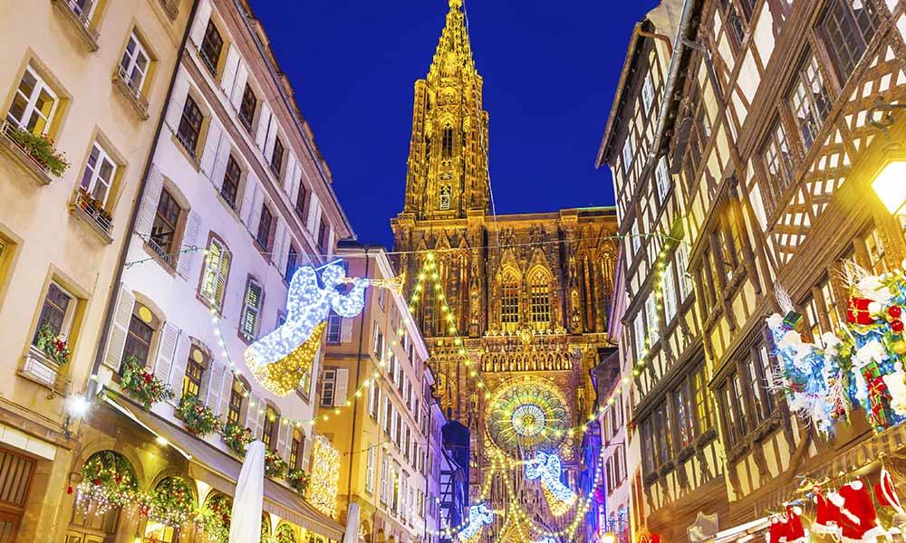 Lichterglanz beim Weihnachtsmarkt 2019 in Strassburg