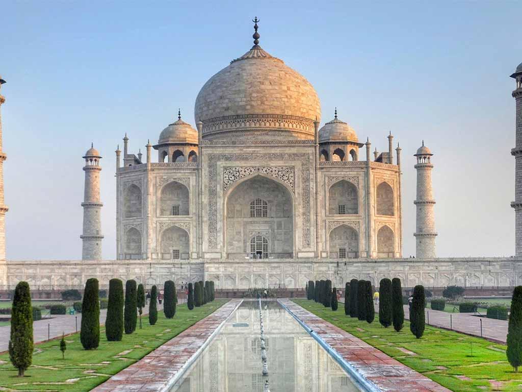 Das Taj Mahal ist ebenfalls ein angesagtes Ziel beim Urlaub in Asien