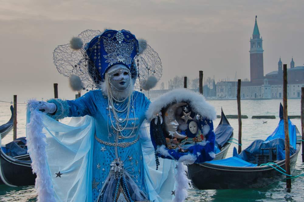 Karneval in Venedig: prächtige Masken